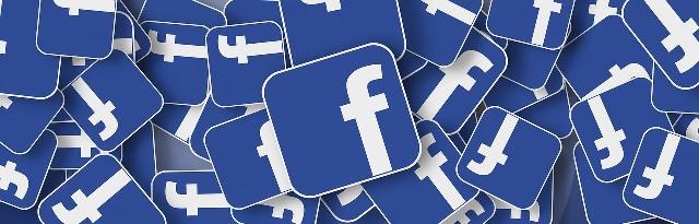 facebook accedi - Facebook tra sfondo nero e lancio della criptovaluta
