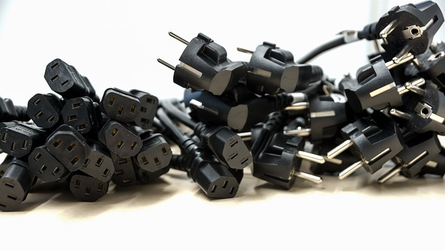 plug 672223 640 - Computer che non si accende: i problemi più comuni